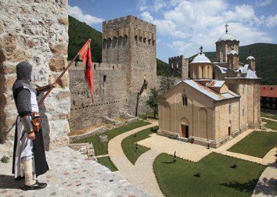 resavska pecina i vodopad veliki buk sa obilaskom manastira manasija   dinara